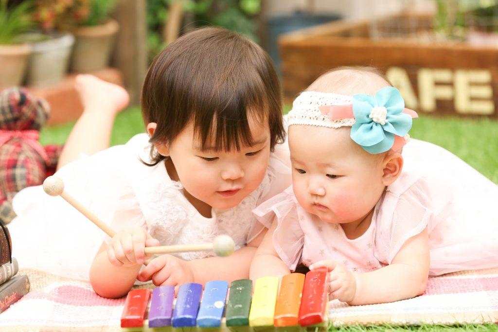 【バースデイ】2歳、6ヶ月姉妹