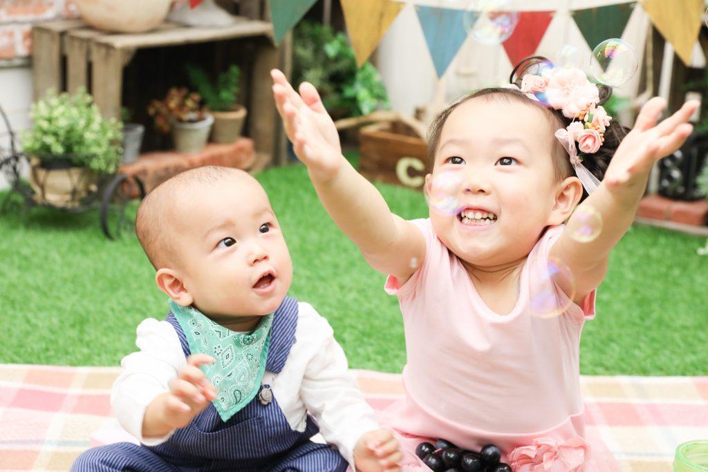 【753・バースデイ】2歳女の子、1歳男の子