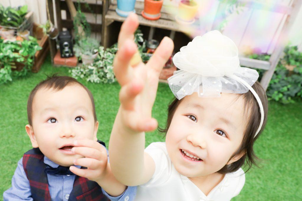 【記念撮影】4歳と1歳の姉弟