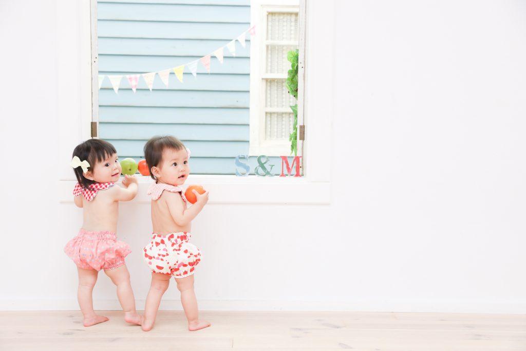 【バースデイ】1歳女の子の双子ちゃん