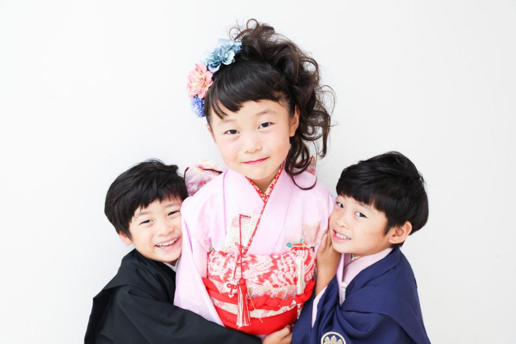 【753】7歳女の子・5歳双子の男の子