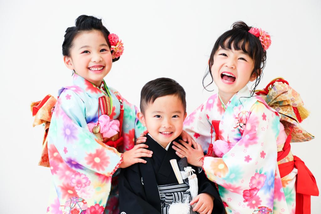 【753・バースデイ】5歳女の子・2歳男の子・1歳男の子